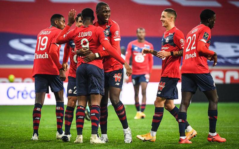 Para pemain Lille merayakan gol ke gawang Lorient. - Twitter@LOSC_EN