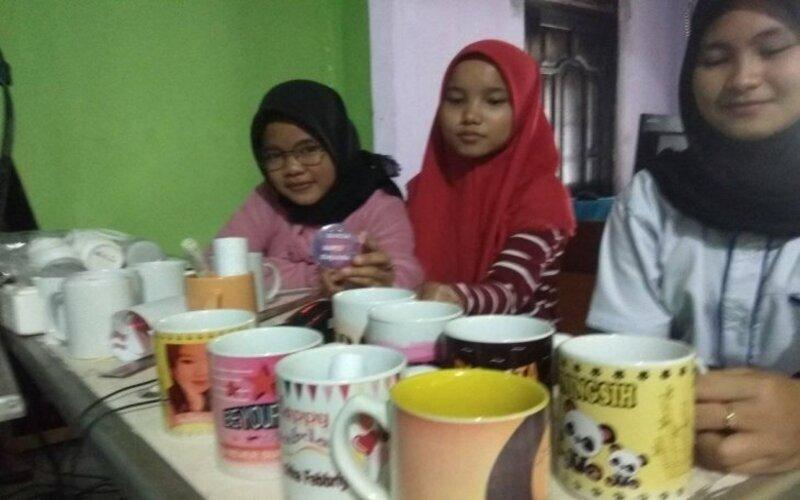 Puluhan anak putus sekolah di Kabupaten Lebak, Banten menggeluti kewirausahaan dan mampu menciptakan lapangan pekerjaan di daerah itu. - Antara