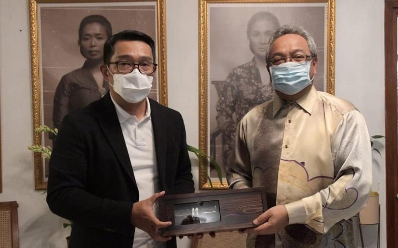 Gubernur Jabar Ridwan Kamil menggelar pertemuan dengan Dubes Malaysia untuk Republik Indonesia (RI) Datuk Zainal Abidin Bakar