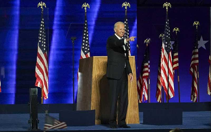Presiden terpilih AS Joe Biden manyapa pendukungnya di Wilmington, Delaware, AS, Sabtu (7 /11/2020). Bloomberg - Sarah Silbiger\r\n
