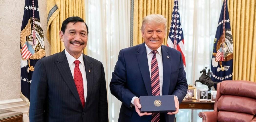 Menko Maritim dan Investasi RI Luhut Binsar Pandjaitan bertemu dengan Presiden AS Donald Trump di Gedung Putih. - Dok. Menko Marvest