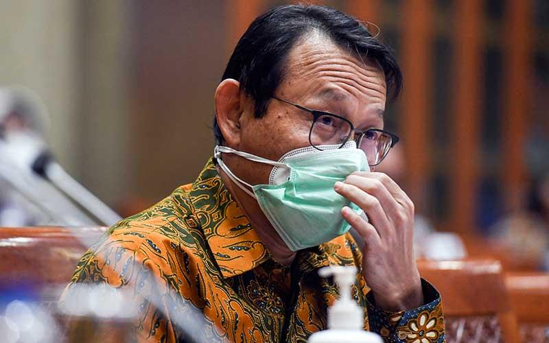 Direktur Utama BPJS Kesehatan Fachmi Idris mengikuti rapat dengar pendapat dengan Komisi IX DPR di kompleks Parlemen, Senayan, Jakarta, Selasa (24/11/2020). ANTARA FOTO - Hafidz Mubarak A