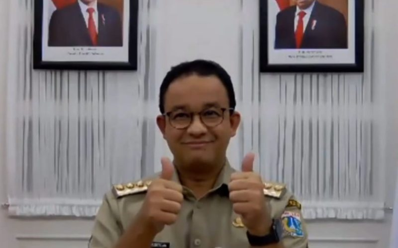 Gubernur DKI Jakarta Anies Baswedan tengah berpose dalam acara Webinar Penanganan Covid-19 di DKI Jakart, Selasa (24/11/2020). - Bisnis/Nyoman Ary Wahyudi