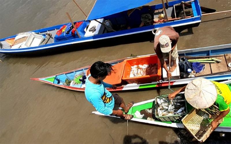 Nelayan di Kalimantan Utara. - Antara/Iskandar Zulkarnaen