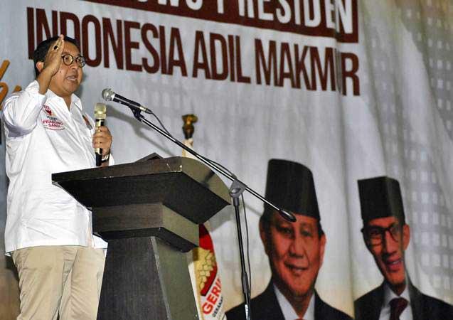 Politis Partai Gerindra Fadli Zon menyampaikan orasi di Wisma Yayasan Pembangunan Indonesia (YPI), Ciawi, Kabupaten Bogor, Jawa Barat, Kamis (7/2/2019). - ANTARA/Arif Firmansyah