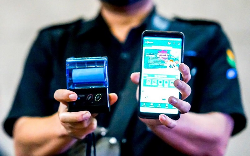 Dengan menggandeng PD. Pasar Bermartabat, Perumda Bank Bandung menciptakan aplikasi pembayaran retribusi Sahabat Pasar - Bisnis/Dea Andriyawan