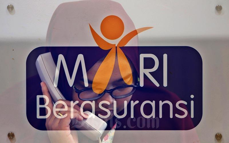 Foto Multiple Exposure karyawan saat beraktivitas di Kantor Asosiasi Asuransi Umum Indonesia (AAUI), Jakarta, Selasa (11/02/2020). Bisnis - Eusebio Chrysnamurti