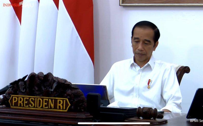 Presiden Joko Widodo menyampaikan pengantar dalam rapat terbatas antisipasi bencana hidrometeorologi di Istana Merdeka, Jakarta, Selasa (13/10 - 2020). / Youtube Setpres