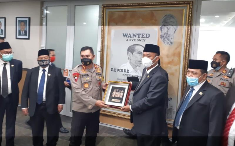 Kapolda Metro Jaya Irjen Mohammad Fadil Imran berkunjung ke pimpinan Dewan Perwakilan Rakyat Daerah (DPRD) DKI Jakarta pada Kamis (26/11/2020) - Bisnis.com/Nyoman Ary Wahyudi