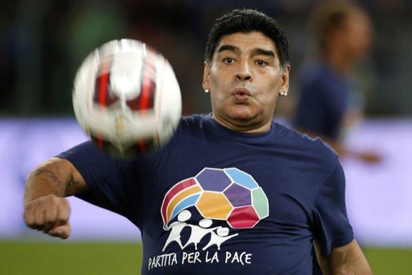 Diego Maradona - Reuters/Alessandro Bianchi