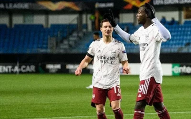 Penyerang Arsenal Nicolas Pepe (kanan) setelah menjebol gawang Molde./Antara - Reuters
