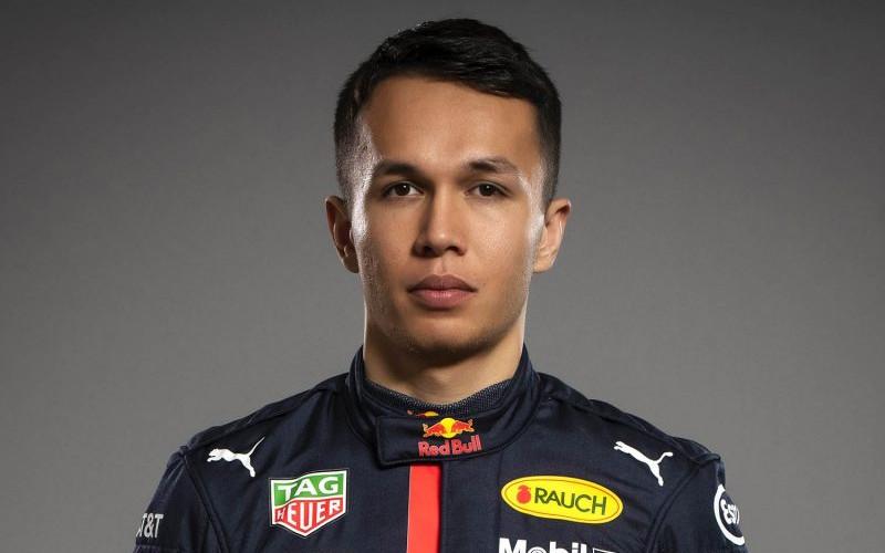 Alexander Albon. Lahir di London tetapi membalap di bawah bendera Thailand.  - formula1.com