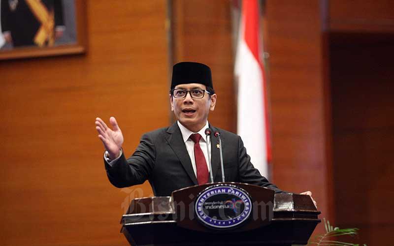 Menteri Pariwisata dan Ekonomi Kreatif periode 2019-2024 Wishnutama Kusubandio menyampaikan sambutan seusai serah terima jabatan dengan Menteri Pariwisata periode 2014-2019 Arief Yahya di Jakarta, Rabu (23/10/2019). Bisnis - Dedi Gunawan