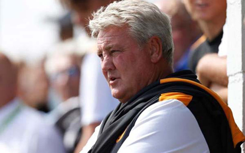 Pelatih Newcastle United Steve Bruce  -  Reuters