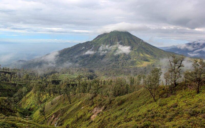 Pemandangan di jalur pendakian Gunung Ijen. - Bisnis/Syaharuddin Umngelo.