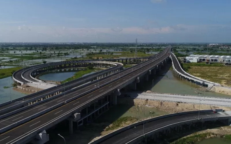 Jalan Tol Krian-Legundi-Bunder-Manyar (KLBM) Sidoarjo Gresik.  - Waskita Beton Precast