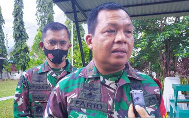 Komandan Korem 132/Tadulako Brigadir Jenderal TNI Farid Makruf saat memberi keterangan kepada wartawan di Palu, Minggu (29/11/2020). - Antara/Sulapto Sali