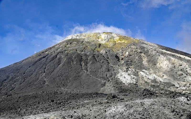 Gunung Ile Ape