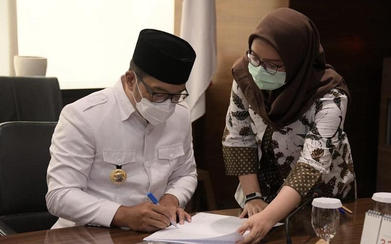Gubernur Jabar Ridwan Kamil memutuskan memperpanjang PSBB secara proporsional di wilayah Bodebek sampai 23 Desember 2020.