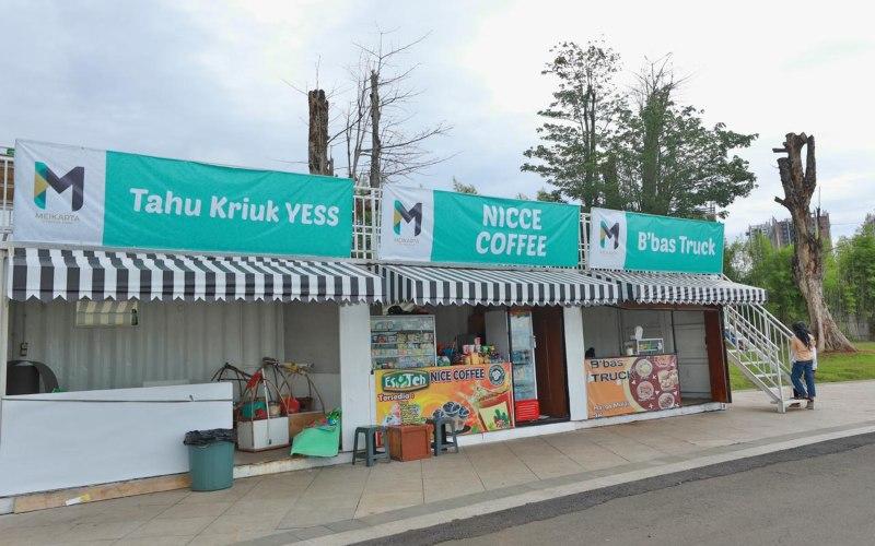 Deretan kios di Central Park Meikarta, Cikarang. Meikarta membuka 26 kios khusus untuk pengusaha UMKM di Central Park, area terbuka hijau seluas 105 hektare. - istimewa