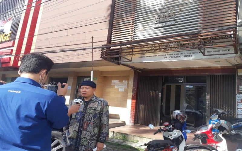 Steering Committee Muprov KADIN Sumsel Husyam Usman memberikan keterangan kepada media terkait gelaran Muprov KADIN Sumsel ke/VII. Bisnis/Dinda Wulandari