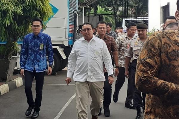 Ketua Badan Kerja Sama Antar Parlemen (BKSAP) DPR Fadli Zon mendatangi kantor KPU di Jakarta, Jumat (3/5/2019)/JIBI - Bisnis/Jaffry Prabu Prakoso
