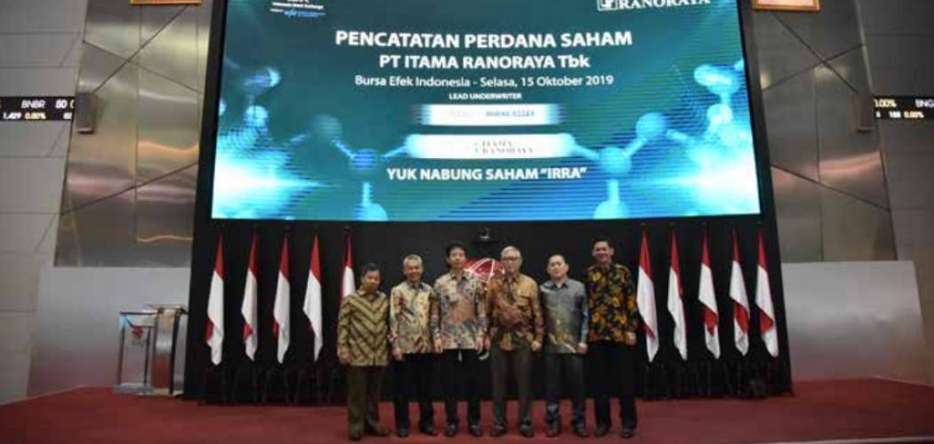 Jajaran  manajemen PT Itama Ranoraya Tbk. dalam prosesi Initial Public Offering (IPO) pada Selasa (15/10/2019). - Dok. IRRA