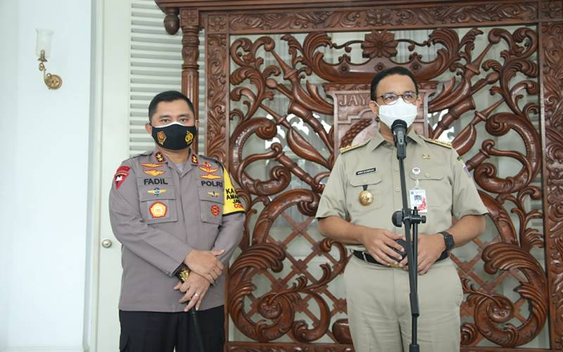 Gubernur DKI Jakarta Anies Baswedan saat menerima Kapolda Metro JayaIrjen Pol Fadil Imran di Balai Kota DKI Jakarta pada Senin (23/11/2020). - Istimewa