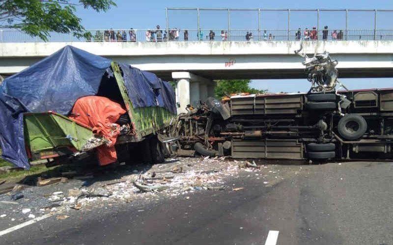 Kecelakaan di tol Cipali. - Antara