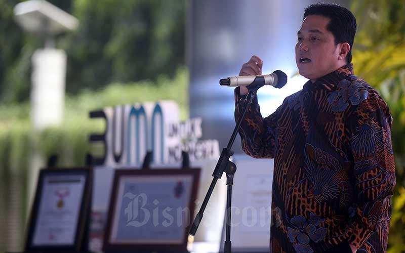 Menteri Badan Usaha Milik Negara (BUMN) Erick Thohir memberikan sambutan saat acara peringatan 25 Tahun initial public offering (IPO) Telkom di Jakarta, Kamis (19/11/2020) - Bisnis/Abdullah Azzam