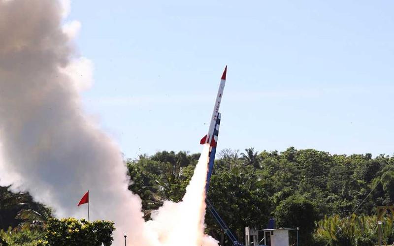 RX450-5 merupakan baseline dari roket jangkauan 100 km lebih yang akan menjadi awal pengembangan roket dua tingkat.  - LAPAN