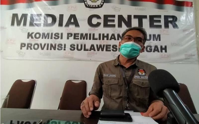 Ketua KPU Provinsi Sulawesi Tengah, Tanwir Lamaming.  - Antara