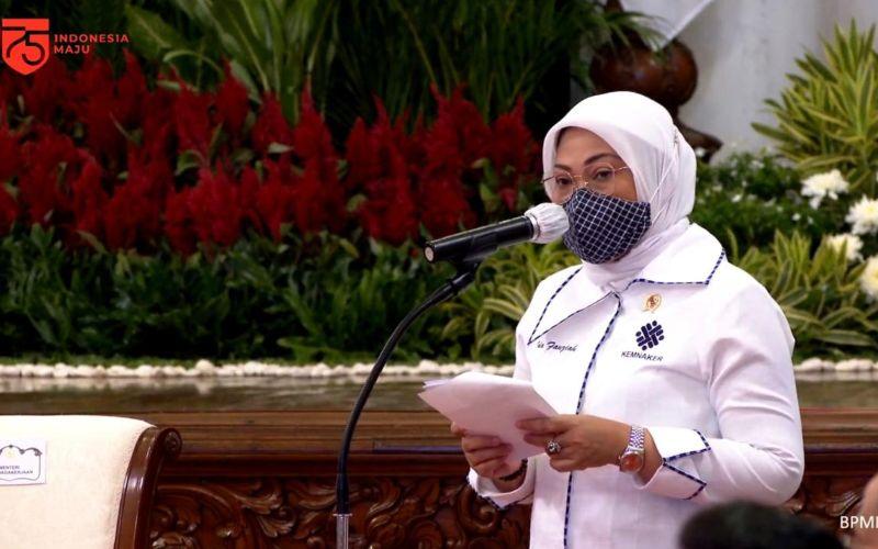 Menteri Ketenagakerjaan (Menaker) Ida Fauziyah dalam acara peluncuran program subsidi gaji untuk pekerja dengan upah kurang dari Rp5 juta di Istana Merdeka, Jakarta, Kamis (27/8 - 2020) / Youtube Sekretariat Presiden