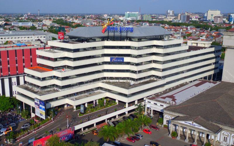 Bank Jateng melakukan sejumlah strategi untuk mencegah penyebaran COvid/19 di lingkungan kantor guna menjaga kenyamanan pegawai dan nasabah.