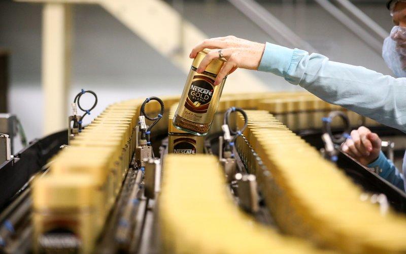 Produk kopi kemasan Nestle, Nescafe Gold.  -  Bloomberg