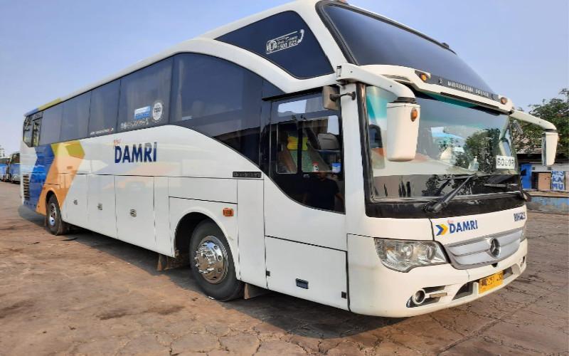 Bus Damri.  - DAMRI