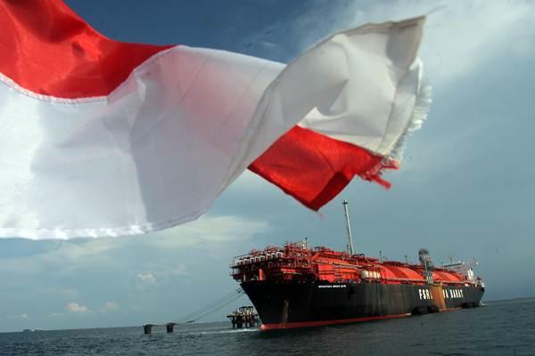 Sarana fasilitas Liquid Natural Gas (LNG) milik PT Nusantara Regas yaitu Floating Storage Regasification Unit (FSRU) berada di Perairan Kepulauan Seribu, Jakarta, Kamis (19/10). - ANTARA/Muhammad Adimaja