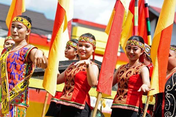 Pekan Gawai Dayak di Pontianak, Kalimantan Barat, pada 20 Mei 2017. - Antara/Jessica H. Wuysang