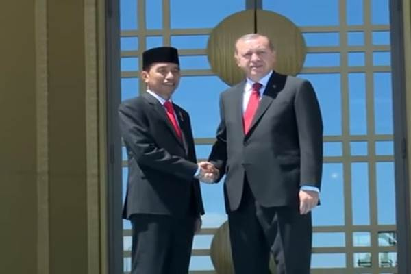 Presiden Joko Widodo kala berjumpa dengan Presiden Recep Tayyip Erdogan - Istimewa