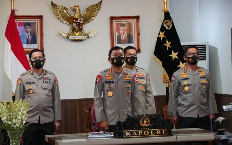 Kapolri Jenderal Polisi Idham Azis (tengah) didampingi jajarannya - Dok./Polri
