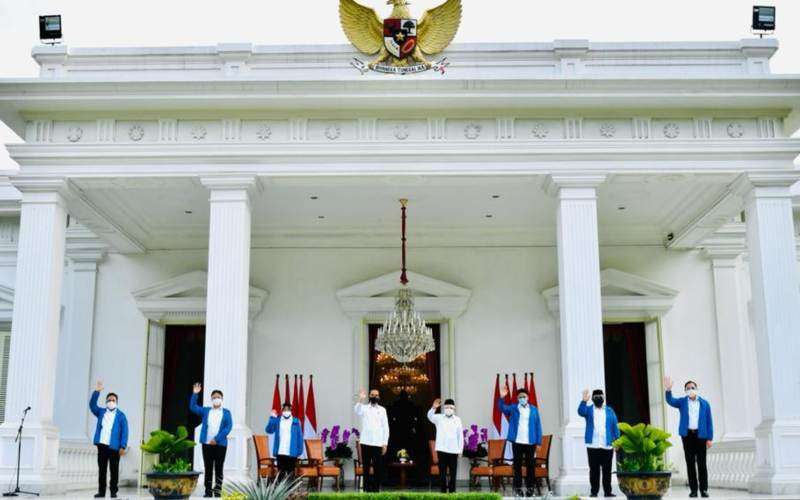 Presiden Jokowi berfoto bersama usai mengumumkan reshuffle kabinet Indonesia Maju 2020. - Biro Kepresidenan RI