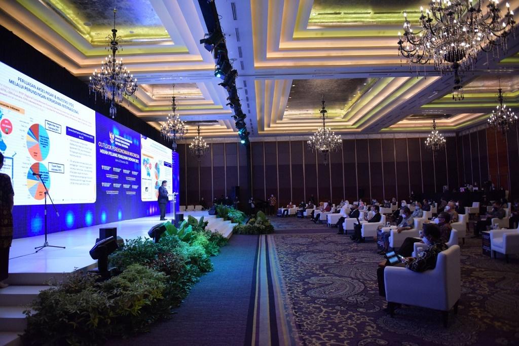 Foto: Suasana diskusi panel Outlook Ekonomi yang digelar Kementerian Perekonomian di Jakarta, Selasa (22 - 12)