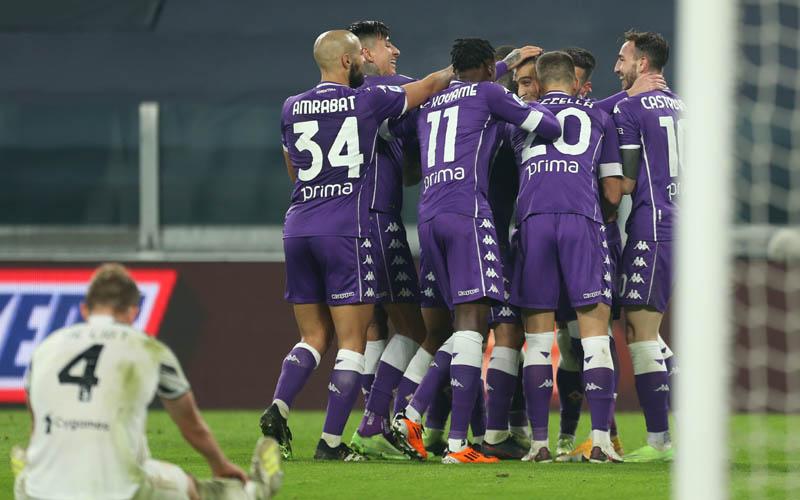 Pemain Fiorentina merayakan gol ke gawang juventus. - Twitter@afcfiorentina