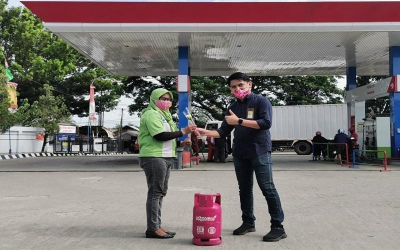 Manajemen Regional Sulawesi menggela program reward bagi para pelanggan Pertamax Turbo khususnya wilayah Sulawesi Selatan dan Sulawesi Tenggara dalam rangka Hari Ibu, 22 Desember 2020 - Istimewa