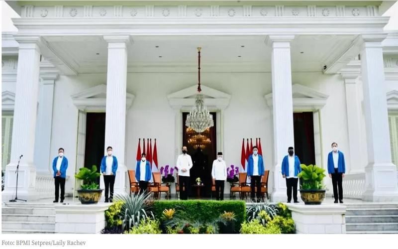 Presiden Joko Widodo dan Wapres Ma'ruf Amin memperkenalkan 6 menteri baru untuk bergabung dengan Kabinet Indonesi Maju, Selasa (22/12/2020)  -  Dok. Sekretariat Presiden RI