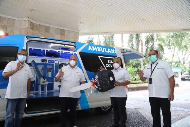 Pemberian bantuan unit ambulans dari Pelindo III - dok. Pelindo III