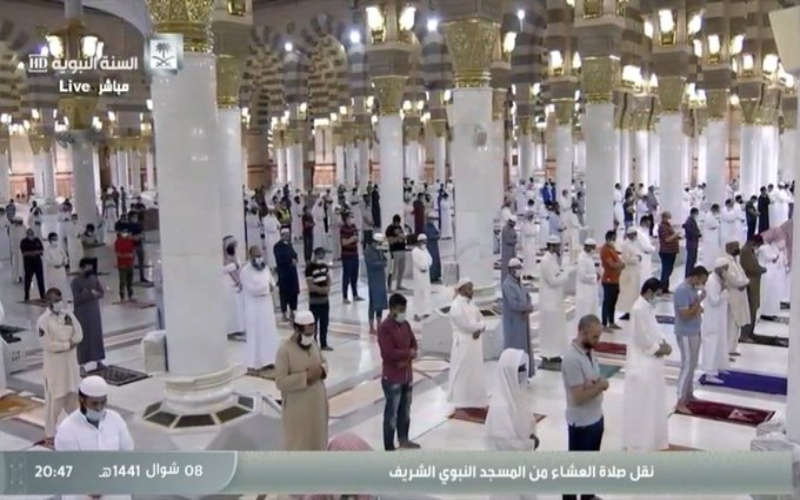 Kondisi di Masjid Nabawi setelah pelonggaran karantina dilakukan di Arab Saudi. (Haramain Sharifain)