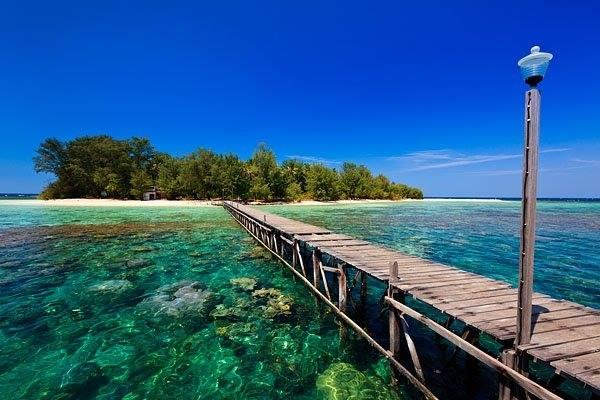 Pulau Karimunjawa. - Indonesia Travel