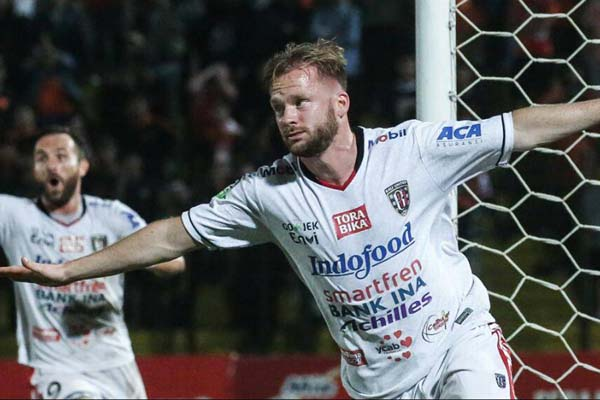 Penyerang Bali United Melvin Platje - BaliUtd.com