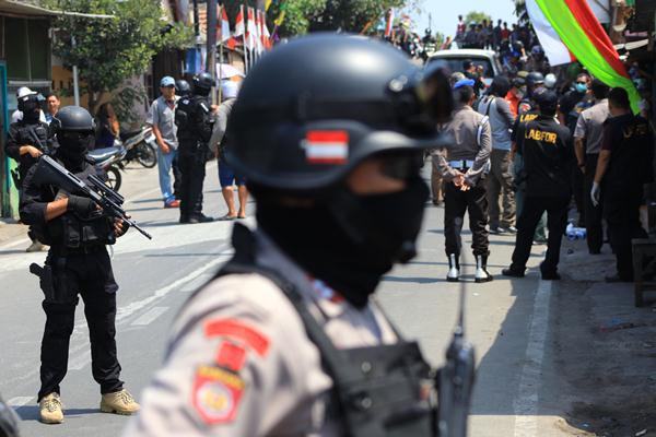Terduga teroris ditangkap di Solo - Antara/Maulana Surya